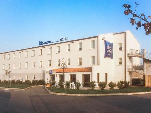 ibis budget Niort - La Crèche : Hotel near Augé