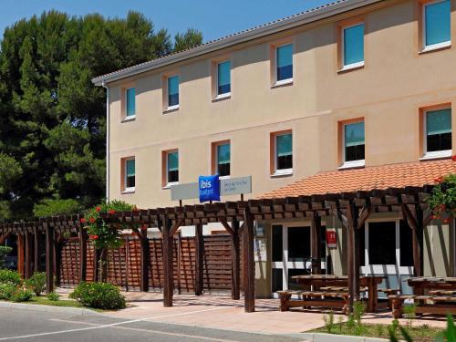 ibis budget Saint Cyr sur Mer La Ciotat : Hotel near Saint-Cyr-sur-Mer