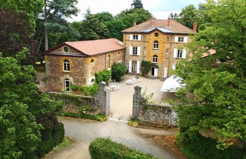 Manoir Tourieux : Bed and Breakfast near Sain-Bel