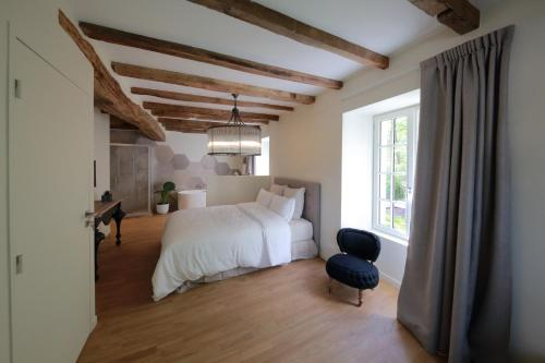Le Moulin De Nanteuil : Guest accommodation near Buxerolles