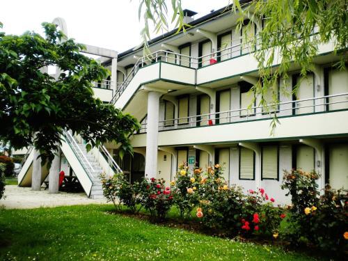 Fasthotel Roissy - Saint-Witz : Hotel near Mareil-en-France
