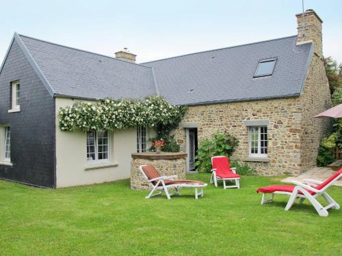 Ferienhaus Créances 402S : Guest accommodation near Neufmesnil