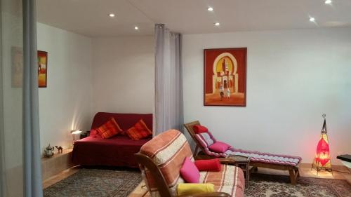 Chambre Avec Jardin Pierre Curie : Bed and Breakfast near Joinville-le-Pont