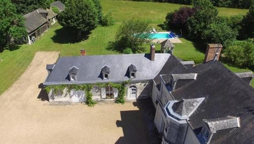 Vine House at Le Bignon : Guest accommodation near Cuon