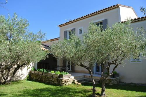La Bastide des Oliviers : Guest accommodation near Orthoux-Sérignac-Quilhan