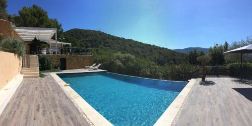 Villa La Mellonne : Guest accommodation near Trets