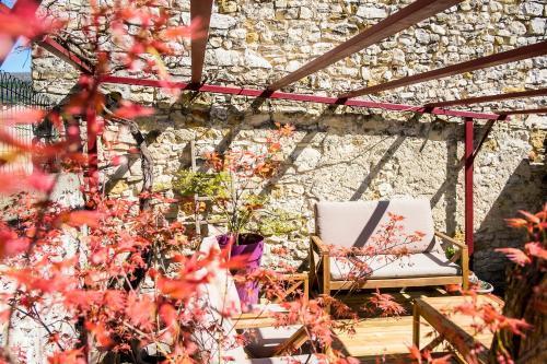 La Treille Rouge : Bed and Breakfast near Saint-Étienne-les-Orgues