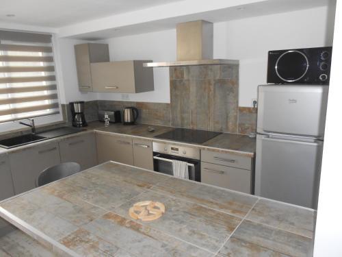 Appartement Abadie : Apartment near Sarrouilles