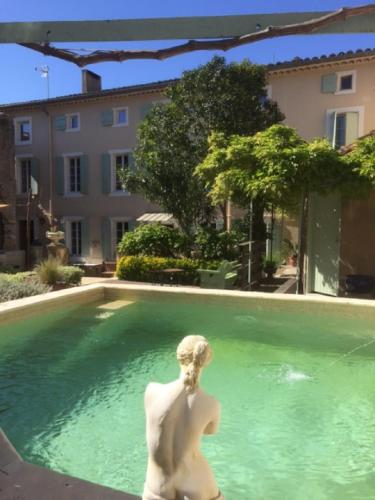 O'palmier Caché : Bed and Breakfast near Villedaigne