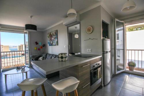 Luckey Homes - Rue Charras : Apartment near Marseille 7e Arrondissement