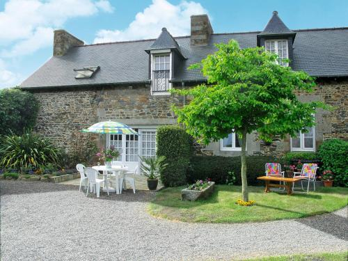Ferienhaus Pordic 110S : Guest accommodation near Plérin