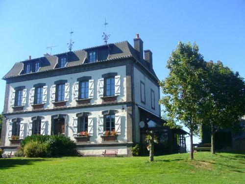 Auberge de Fondain : Bed and Breakfast near Lastic