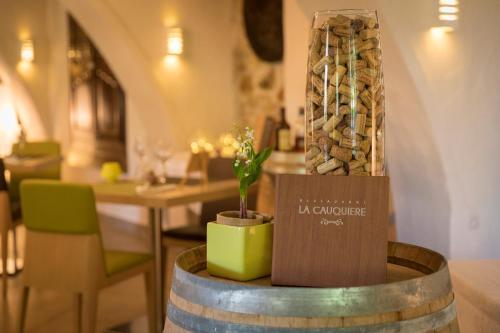 Auberge de la Cauquiere : Hotel near Le Castellet