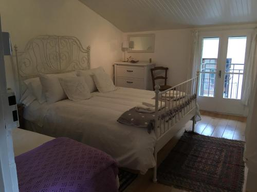 B&B at no3 : Bed and Breakfast near Sainte-Colombe-sur-Guette