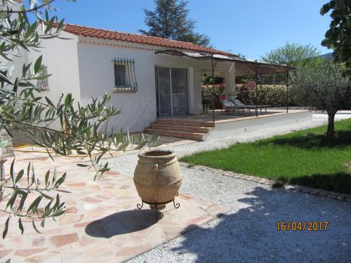Appartement Garlaban : Apartment near Auriol