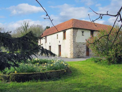 Ferienhaus Savigny 406S : Guest accommodation near Lozon
