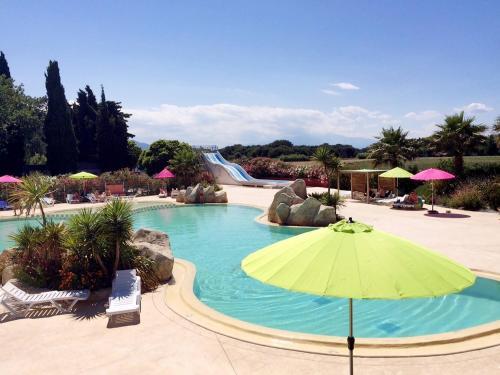 Village Vacances 252S : Guest accommodation near Palau-del-Vidre