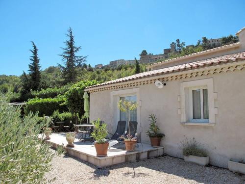 Mas Les Constances 100S : Guest accommodation near Ménerbes