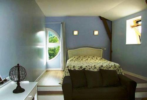 Chambres d'Hotes du Moulin de Lachaux : Bed and Breakfast near Menat