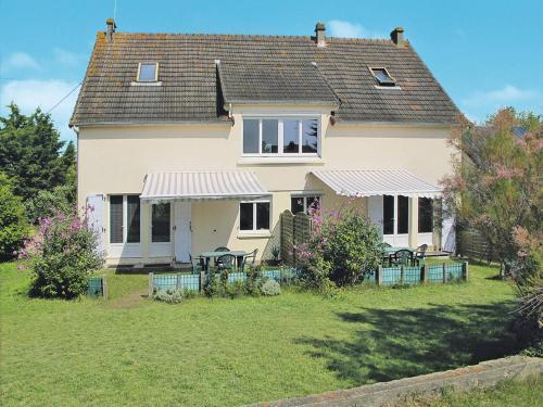 Ferienwohnung Denneville 400S : Apartment near Neufmesnil