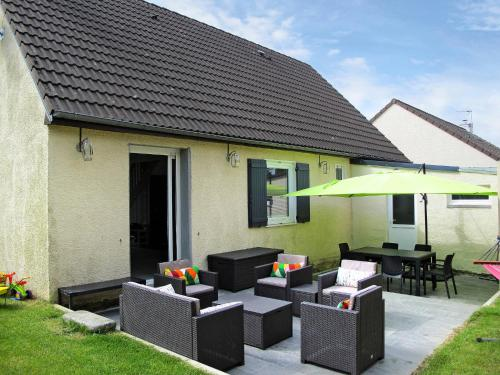 Ferienhaus Tourlaville 400S : Guest accommodation near Maupertus-sur-Mer
