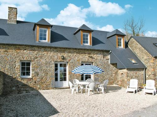 Ferienhaus Gouville-sur-Mer 100S : Guest accommodation near Geffosses