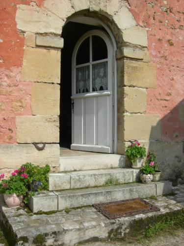 La Ferme Rose : Bed and Breakfast near Jouy-le-Moutier