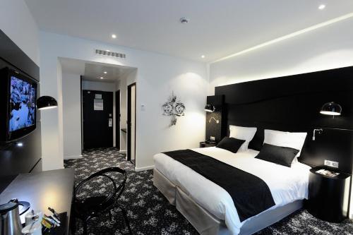 Quality Hotel Centre Del Mon Perpignan : Hotel near Calce
