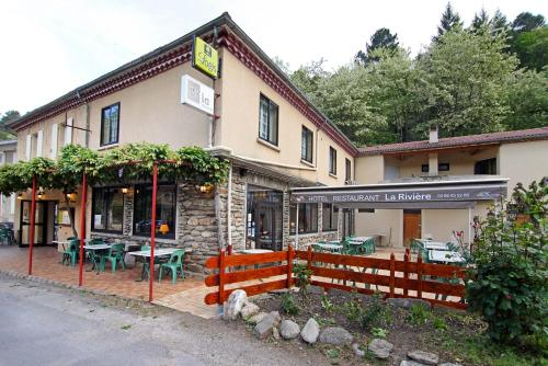 Logis La Rivière : Hotel near Cassagnas