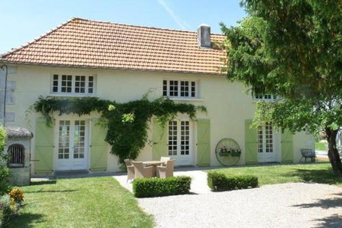 Le Haut Metraud : Guest accommodation near Plassac-Rouffiac