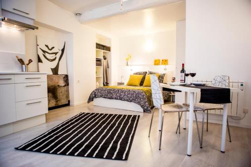 Le Studio Blanc : Apartment near Lagrasse