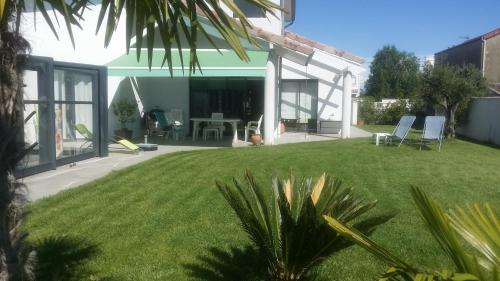 Chambres d'hotes Le Sud : Bed and Breakfast near Mauves