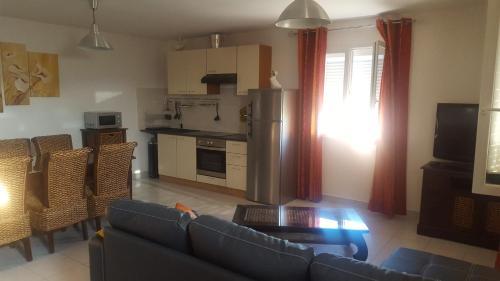 L'Amandine : Apartment near Bellegarde