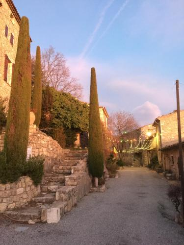 Gorges du Verdon charme et authenticite : Guest accommodation near La Bastide