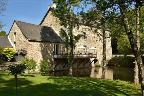 B&B Le Moulin De L'arz : Bed and Breakfast near Saint-Vincent-sur-Oust
