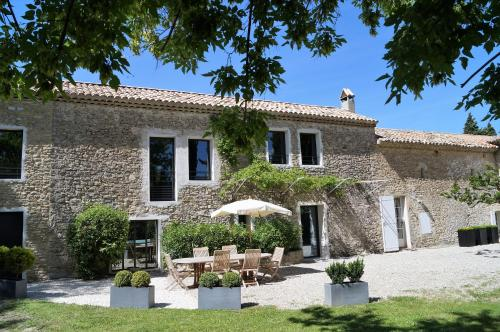 le mas de colongene : Bed and Breakfast near Faucon