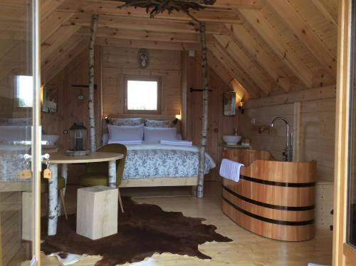 Shanti Lac : Guest accommodation near Cézac
