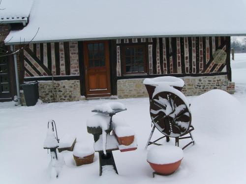 Chambre chez Corinne : Bed and Breakfast near Tourville-en-Auge