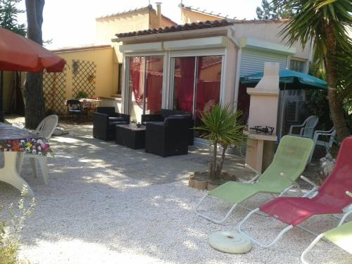 Les aigues marines : Guest accommodation near Saleilles