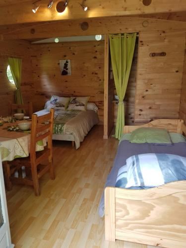 Les etangs de planquery : Guest accommodation near Saint-Clair-sur-l'Elle