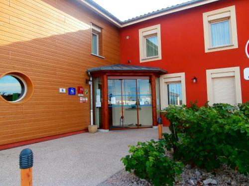 Les Étoiles Du Forez : Hotel near Saint-Étienne-le-Molard