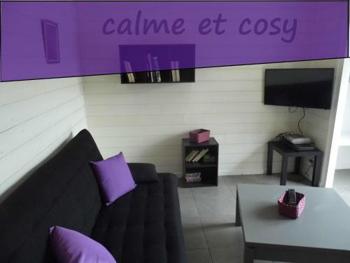 Appartement Rue de Combevignouse : Guest accommodation near Peslières