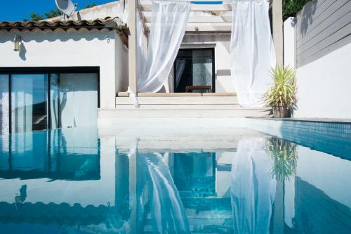 Maison Lou Paradou : Guest accommodation near Auriol