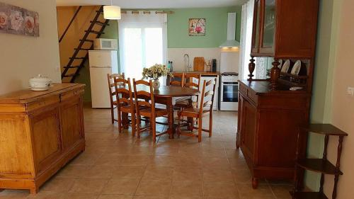 Vacation Home on Rue du Marais 5 : Guest accommodation near Banneville-la-Campagne
