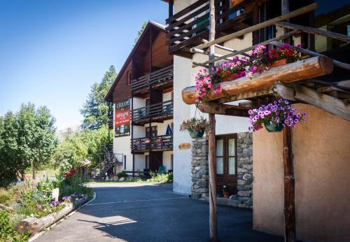 Hotel Spa L'Equipe : Hotel near Ceillac