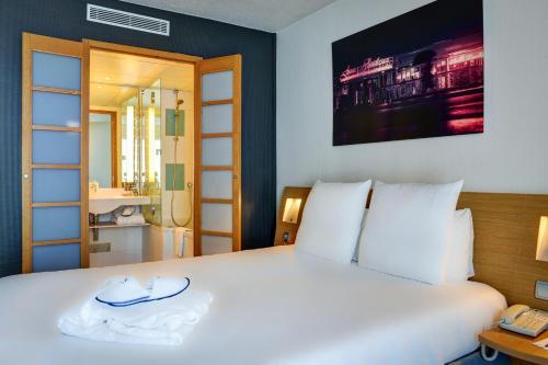 Novotel Paris Suresnes Longchamp : Hotel near Saint-Cloud