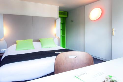 Campanile Saint-Malo ~ Saint-Jouan-Des-Guerets : Hotel near Saint-Père