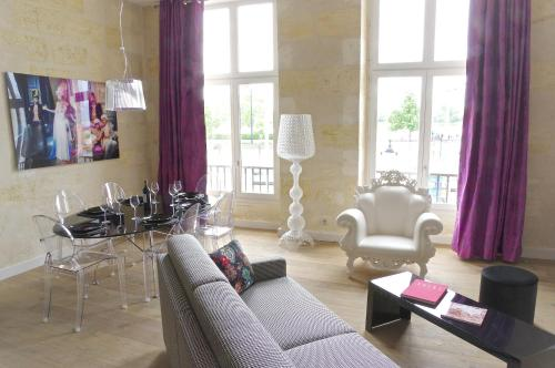 Baroque : Apartment near Cenon