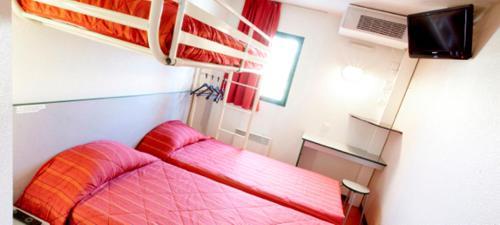 Premiere Classe Coulommiers Mouroux : Hotel near Saint-Léger