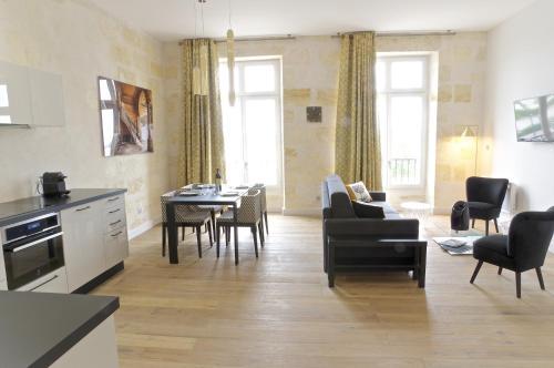 Luxe : Apartment near Cenon